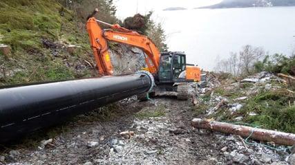 Inntrekk av PE-ledning i et kraftanlegg i Sævareidfjorden i Bjørnafjorden kommune i diameter på 1000 mm, PE100RC, SDR 11