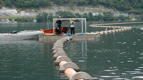 Senking av sjøledninger med betonlodd i Årdal