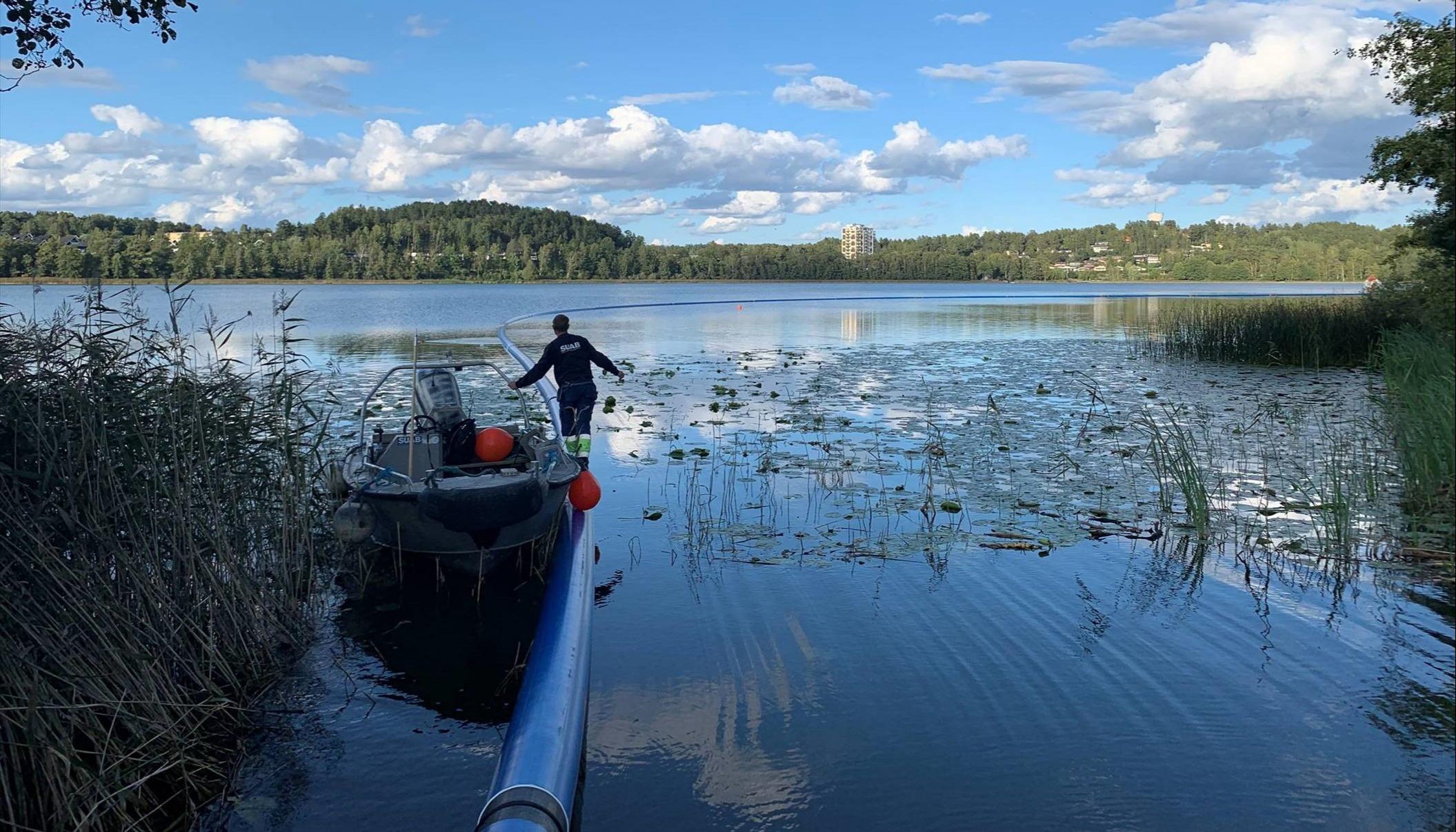Ferdig vektede sjøledninger klar for senking i innsjøene i Botkyrka