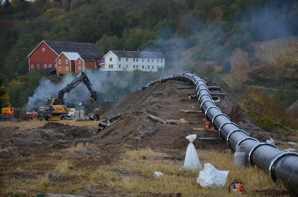 I forbindelse med det store MeTro-prosjektet i Trondheim og Melhus ble det valgt duktilt støpejern for kryssing under lakse-elva Gaula.