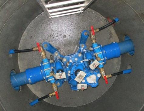 Asker kommune presenterer en av sine nye vannkummer med 4 stikkledninger
