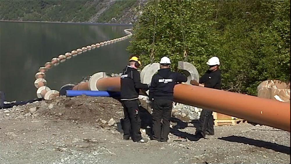 Avløp i rør på 200 meters dyp i Årdalsvatnet